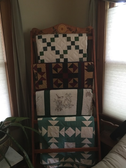 Dragonfly Quilt Rack